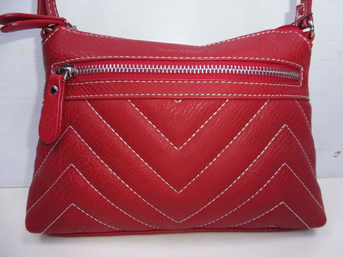 BOLSO MATTIES ROJO CON COSTURAS